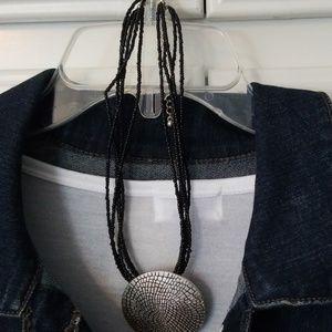 Jewelry - Black beaded necklace